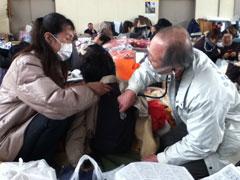 東日本大震災 窓口負担免除 対象者拡大が実現 全被災者免除、診療報酬概算請求、医療機関再建助成を要請