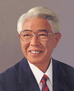 元衆院議員 協会顧問 浦井洋先生お別れの会  <br/>生前の活躍偲び 400人が参列