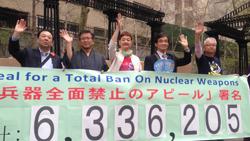 NPT再検討会議NY行動 参加記 ニューヨークで 核廃絶をアピール <br/>須磨区・歯科  坂口 智計