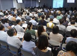 「糖質制限とカロリー制限」に200人超 <br/>診療内容向上研究会が好評!